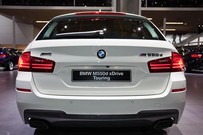 BMW M550d xDrive Touring, Heckansicht