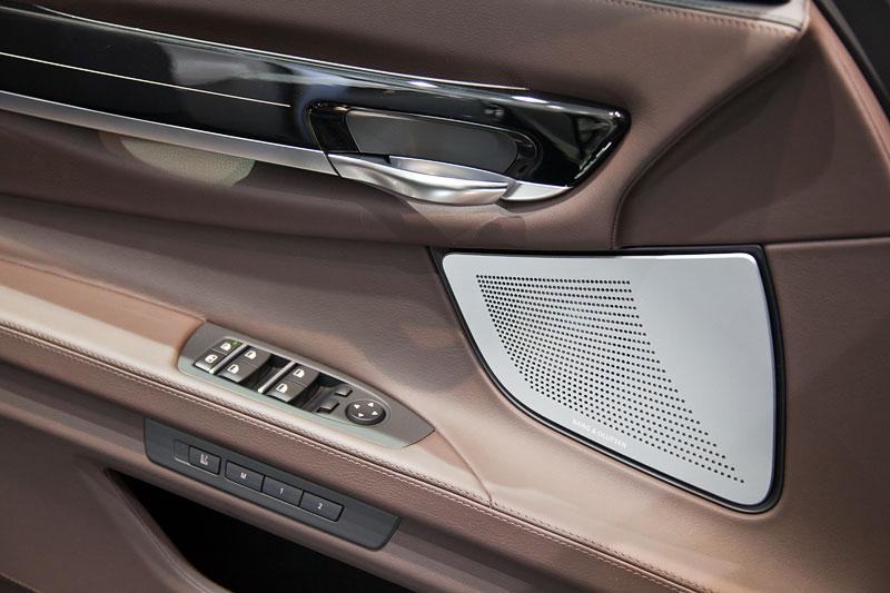 BMW 750i Individual mit Bang und Olufsen Surround Anlage