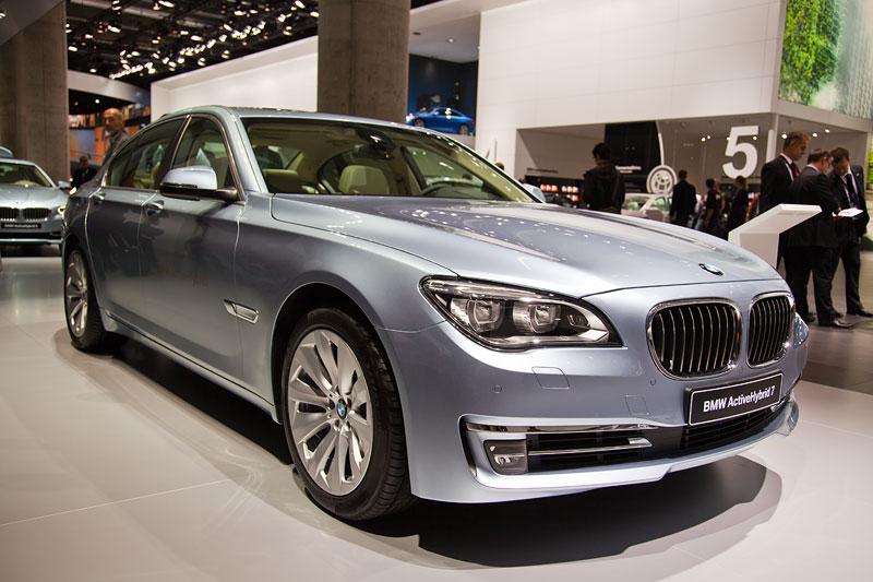 BMW ActiveHybrid 7 mit 6-Zylilnder Motor und Elektro-Antrieb