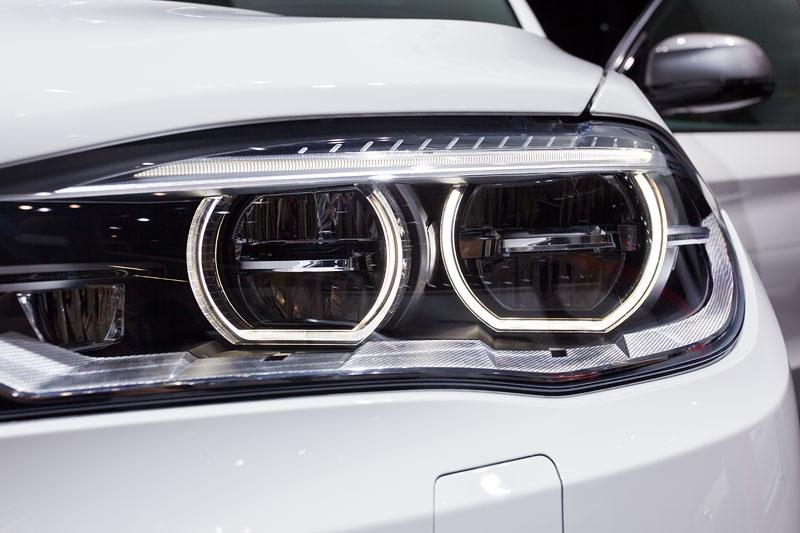 BMW X5 M50d, adaptiver LED Scheinwerfer