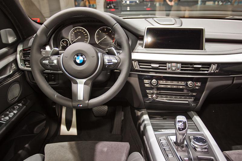BMW X5 M50d, Cockpit