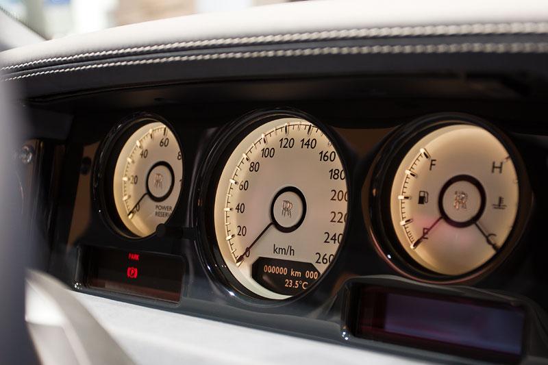 Rolls-Royce Celestial Phantom, Tacho-Instrumente