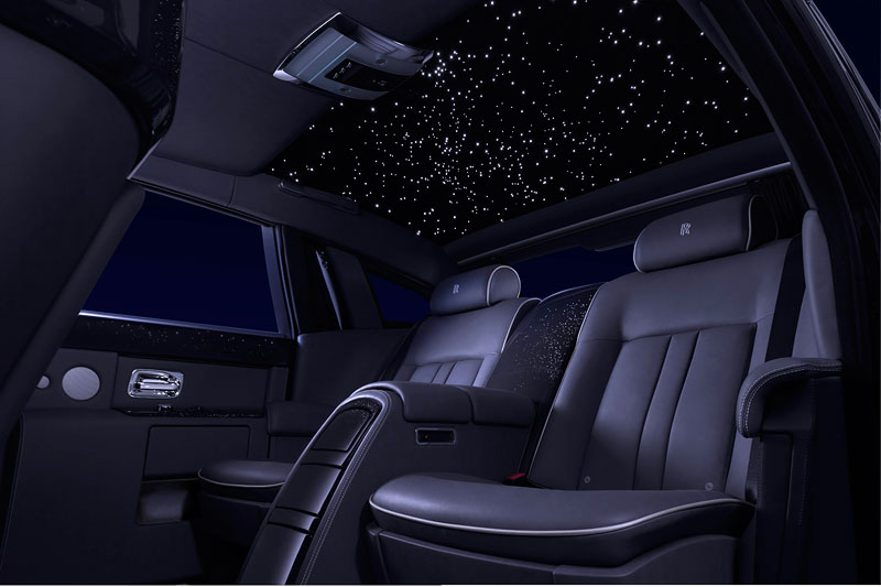Rolls-Royce Celestial Phantom mit Sternenhimmel im Fond