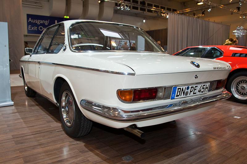 BMW 2000 CS, mit 4-Zylinder-Reihenmotor und 120 PS Leistung bei 5.500 U/Min.