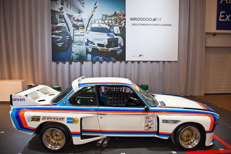 BMW 3.0 CSL Renncoupé IMSA auf dem BMW Group Messestand auf der Techno Classica