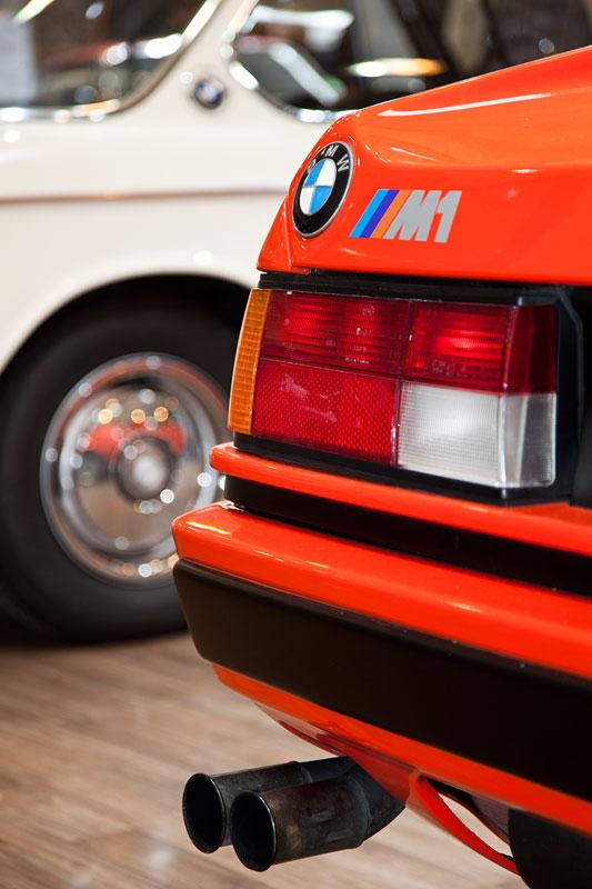 BMW M1 (E26), auffällige Auspuffanlage
