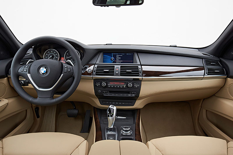 Foto bmw x5 2 generation modell e70 interieur for Interieur x5