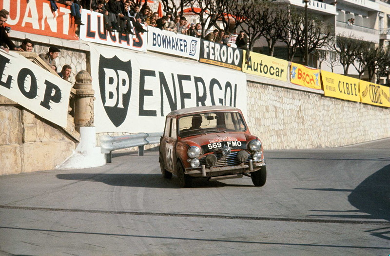 Rauno Aaltonen im Mini Cooper bei der Rallye Monte Carlo 1964