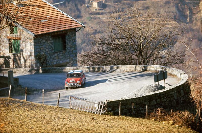 Mini Cooper bei der Rallye Monte Carlo 1964