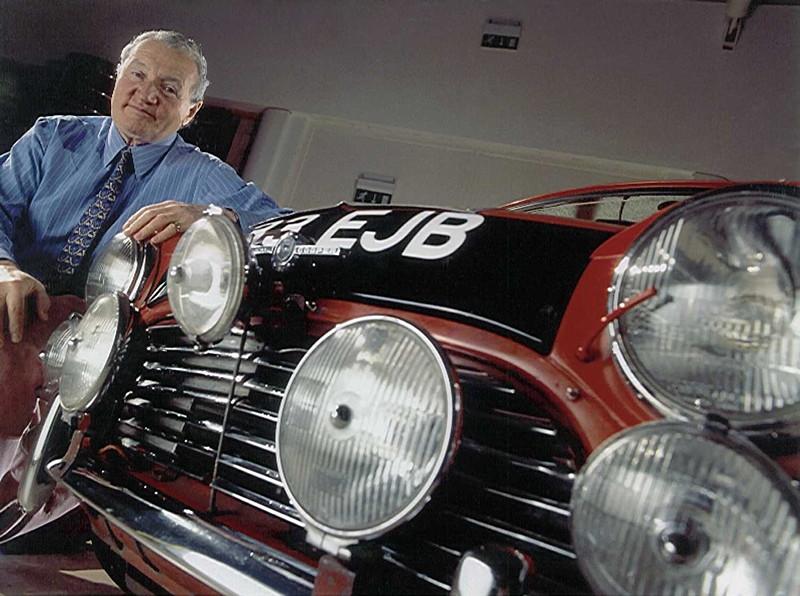 Paddy Hopkirk mit Morris Mini Cooper S
