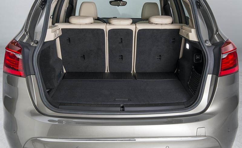 foto bmw 2er active tourer kofferraum vergr ert. Black Bedroom Furniture Sets. Home Design Ideas
