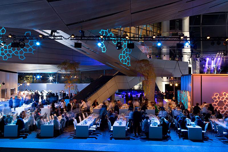 Weltweit erste BMW i8 Auslieferungen am 05. Juni 2014 in der BMW Welt in München. Abendempfang.