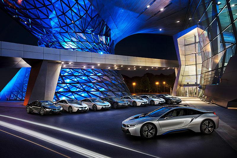 weltweit erste Auslieferungen des BMW i8 am 05. Juni 2014 in der BMW Welt in München.