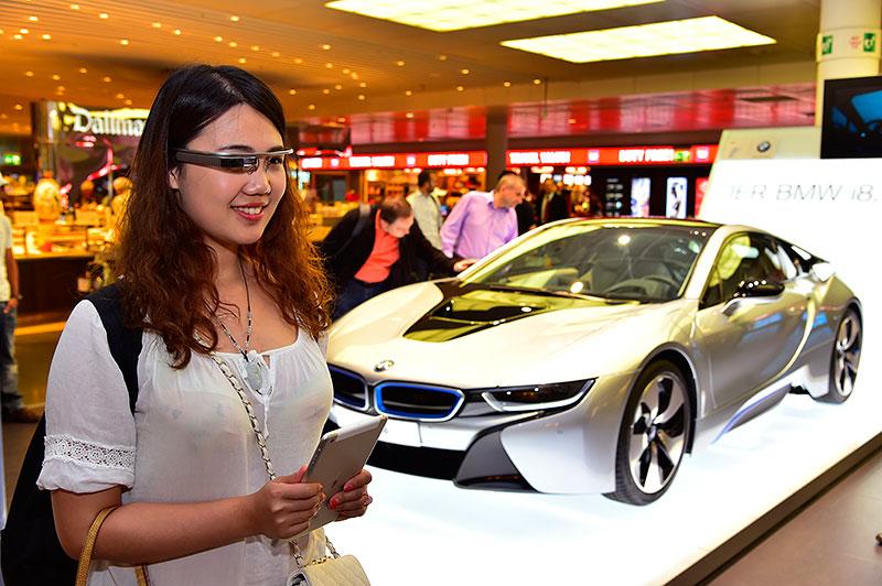 BMW i8 Innovationsreise Google Glass, Flughafen München