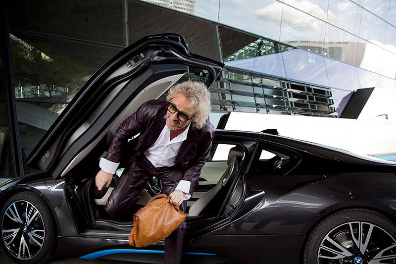 Weltweit erste BMW i8 Auslieferungen am 05. Juni 2014 in der BMW Welt in München: Moderator Thomas Gottschalk.