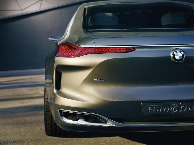 BMW Vision Future Luxury. BMW Organic Light mit OLED-Technologie im Heck.
