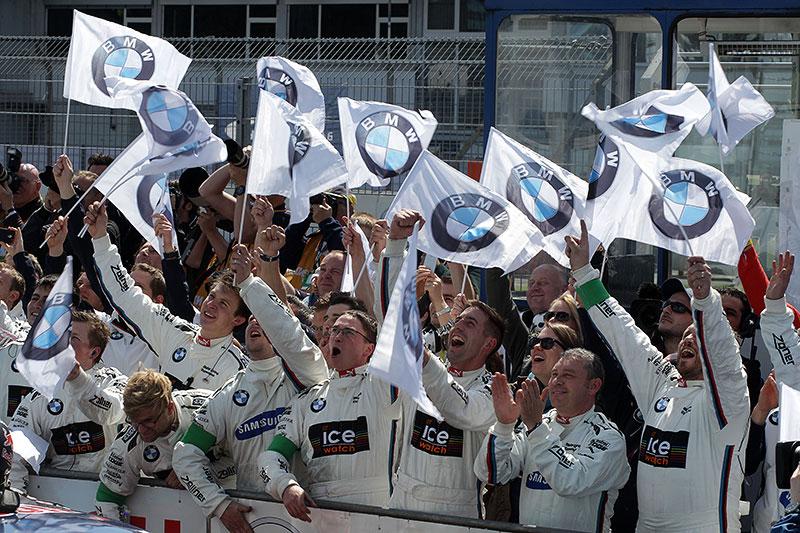 das RMG-Team freut sich über den Sieg von Marco Wittmann beim DTM-Rennen am Hockenheimring