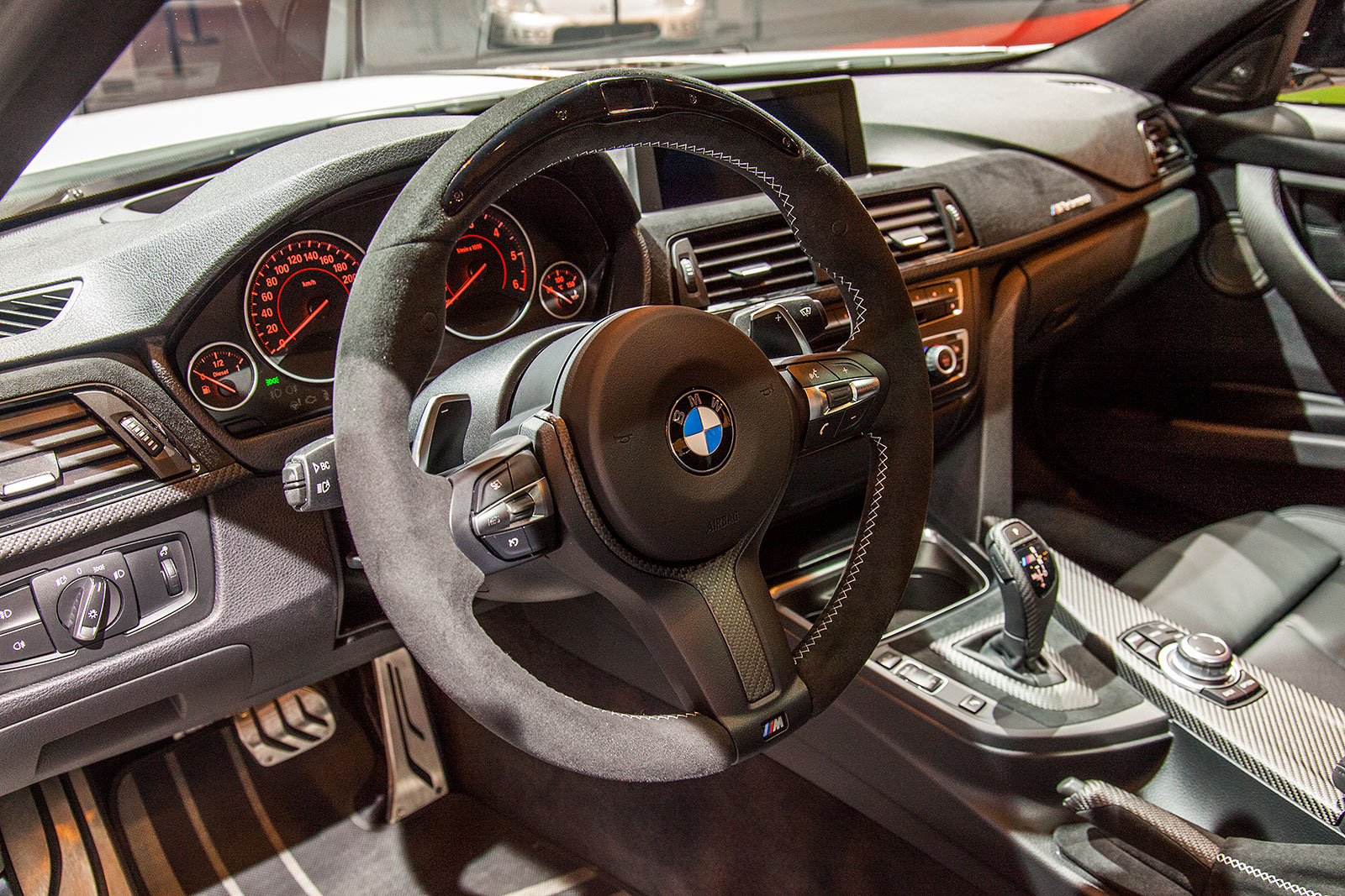 foto bmw 320d mit bmw m performance komponenten. Black Bedroom Furniture Sets. Home Design Ideas