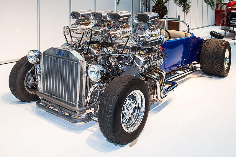 Double Trouble, Roadster mit Fiberglas-Karosse und zwei 4,6 Liter V8 Ford-Motoren