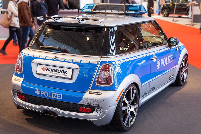 MINI Polizeiauto by AC Schniter auf der Essen Motor Show 2014