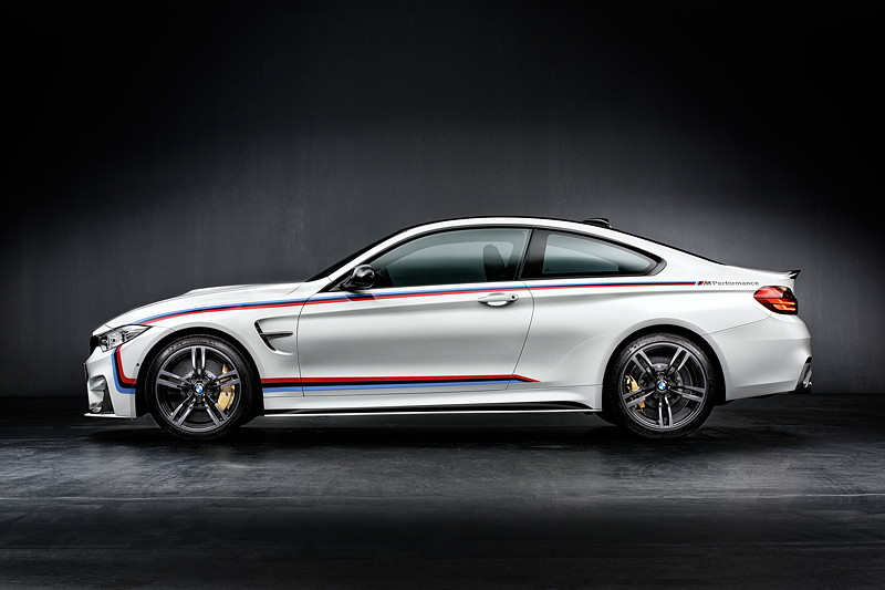 BMW M4 Coupé mit M Performance Parts