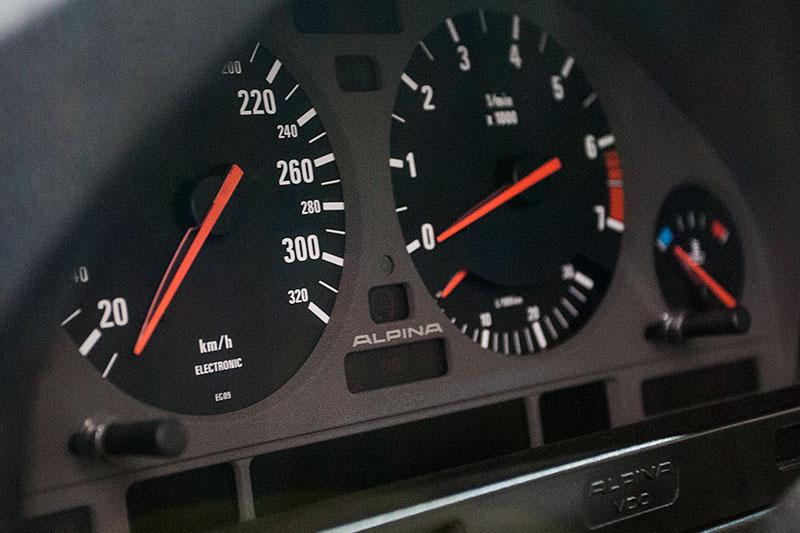 Alpina B10 Bi-Turbo, Tacho-Instrumente, vmax: 291 km/h