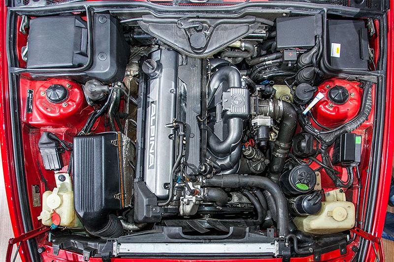 Alpina B10 Bi-Turbo, 6-Zylinder Reihen Bi-Turbo Motor mit 360 PS bei 6.000 U/Min.