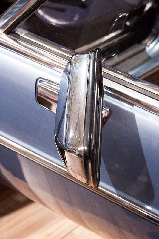 BMW 2.8 L, verchromter Aussenspiegel