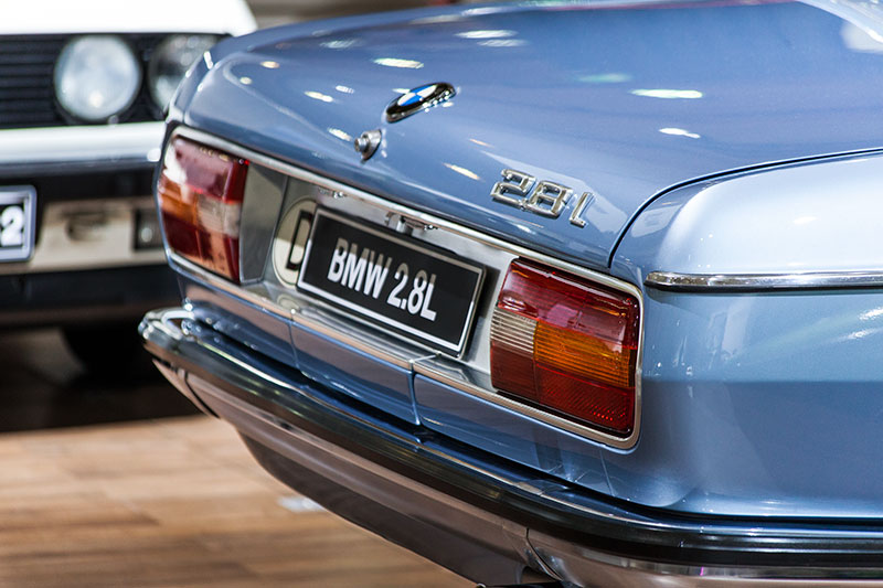 BMW 2.8 L, vmax: 195 km/h