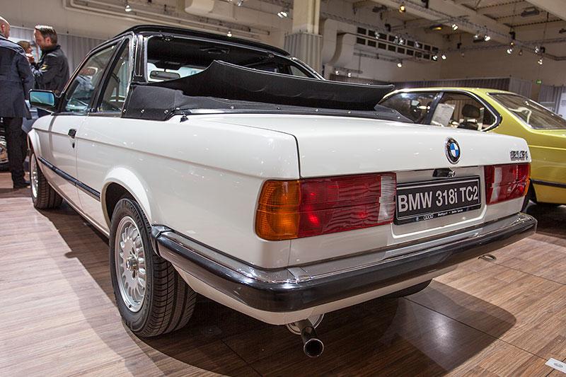 BMW 318i Baur Topcabriolet, geöffnet, mit Überrollbügel