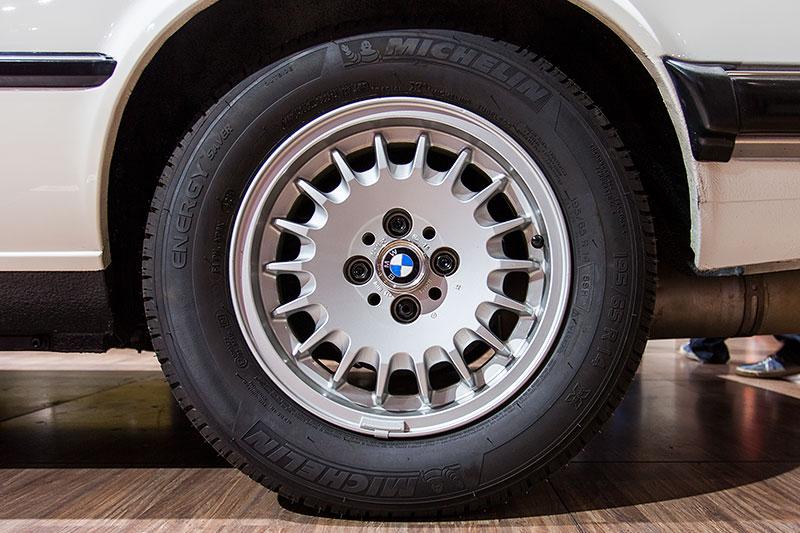 BMW 318i Baur Topcabriolet, Rad