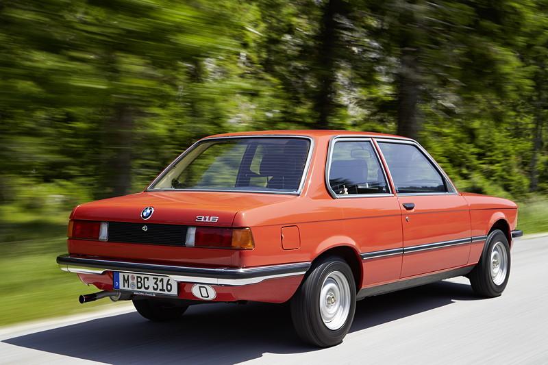 BMW 316, Modell E21