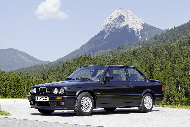 BMW 320is, Modell E30