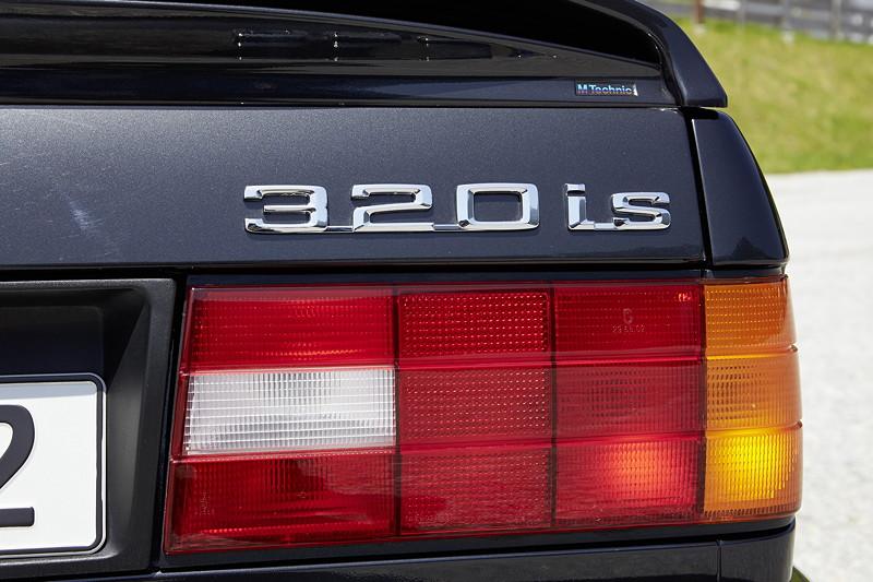 BMW 320is, Modell E30, Typbezeichnung am Heck