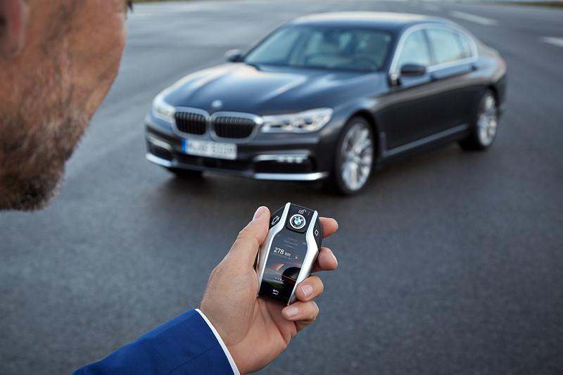 BMW 750Li xDrive (G12), mit Smart Key, Displayschlüssel