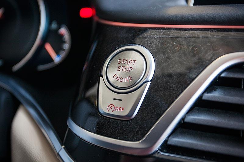 BMW 730d, Start-Stopp-Taste