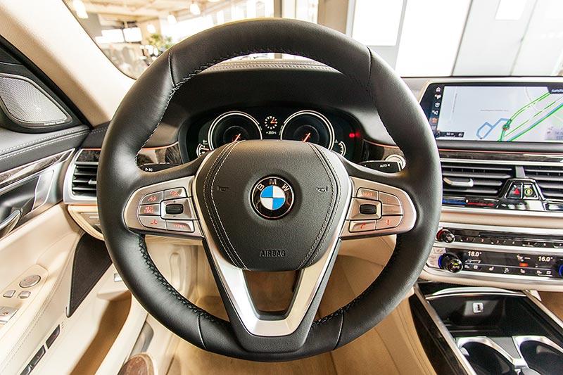 BMW 730d, Cockpit