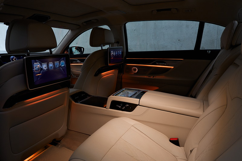 BMW 7er (G12), Interieur, mit Fond-Entertainmentsystem