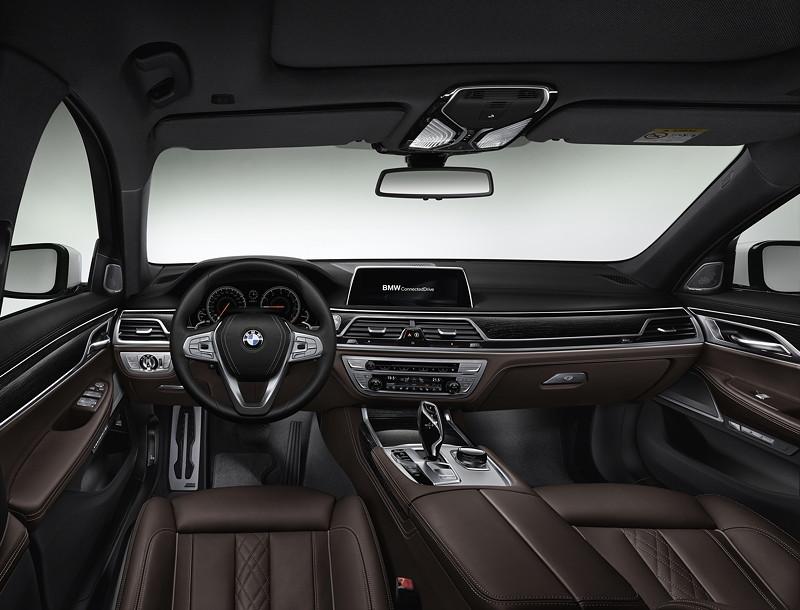 BMW 7er (G11/G12), Interieur, vorne mit dunkler Leder Ausstattung