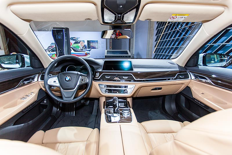 BMW 740Le mit PlugIn-Hybrid, Interieur vorne