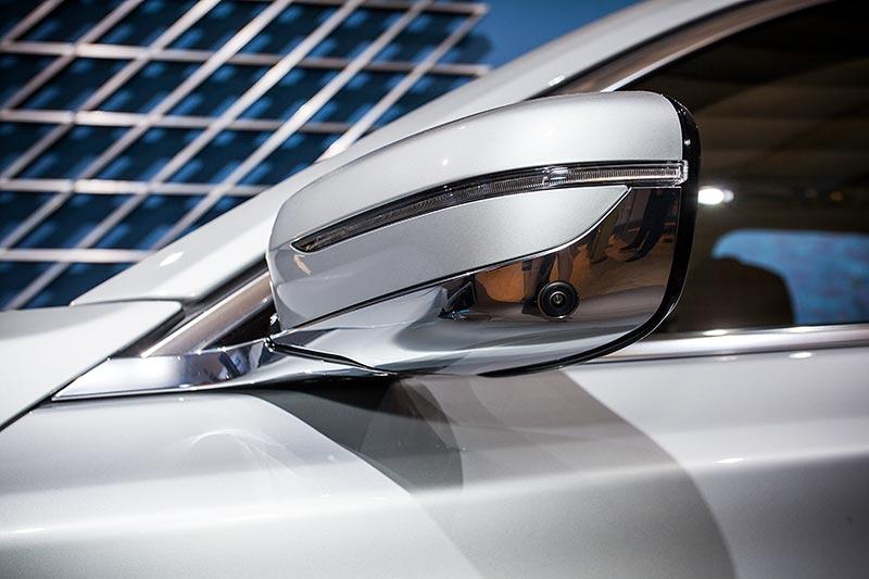 BMW 740Le mit PlugIn-Hybrid, neuer Aussenspiegel