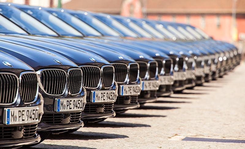 BMW 7er Testwagen am alten Zollamt in Porto