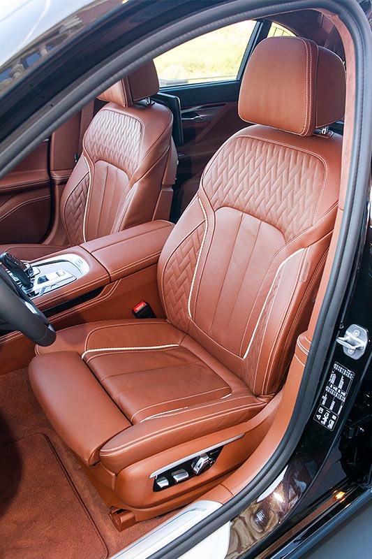 BMW 750Li xDrive Individual, Fahrersitz mit gesteppten Merinoleder