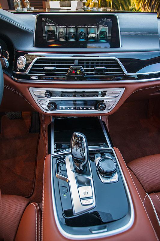 BMW 750Li xDrive Individual, Mittelkonsole vorne