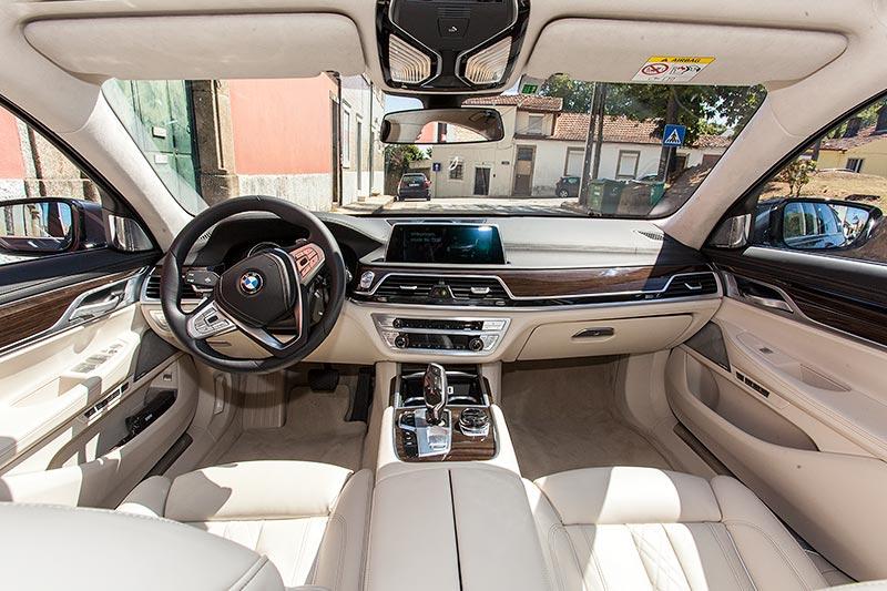 BMW 730d, Interieur vorne