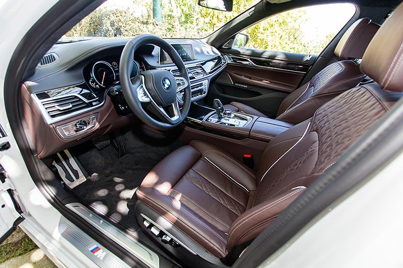 BMW 740i mit BMW M Sportpaket, Interieur vorne