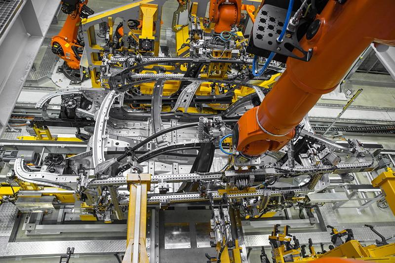 BMW 7er Produktion im Werk Dingolfing, Karosseriebau: Leichtbau, intelligenter Materialmix