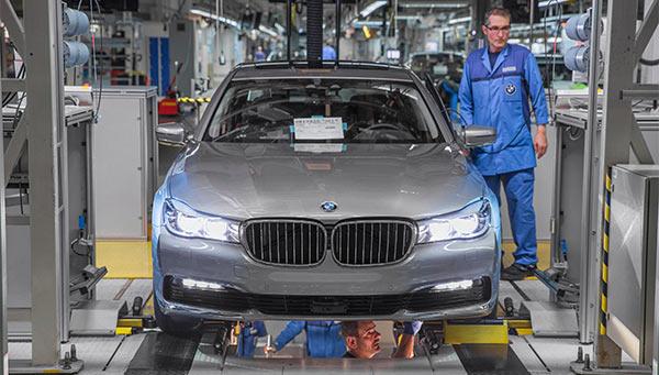 Produktion der neuen BMW 7er-Reihe im BMW Werk Dingolfing.