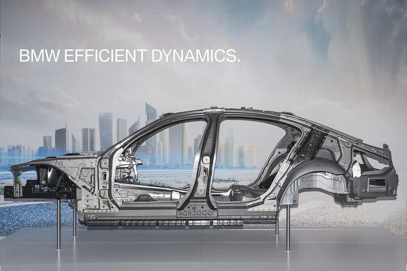 BMW 7er (G11/G12), Karosserie mit intelligentem Materialmix
