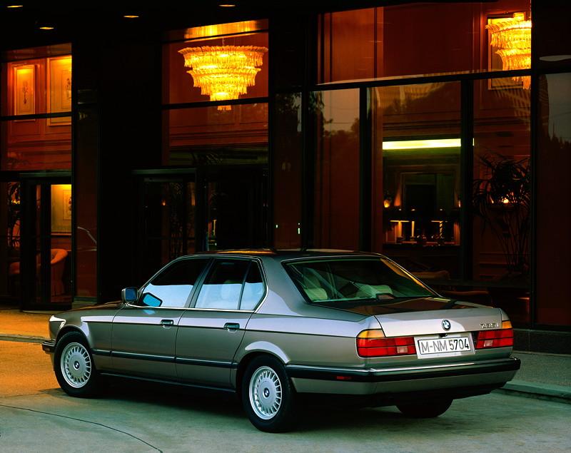 BMW 7er, 2. Generation: Modell E32